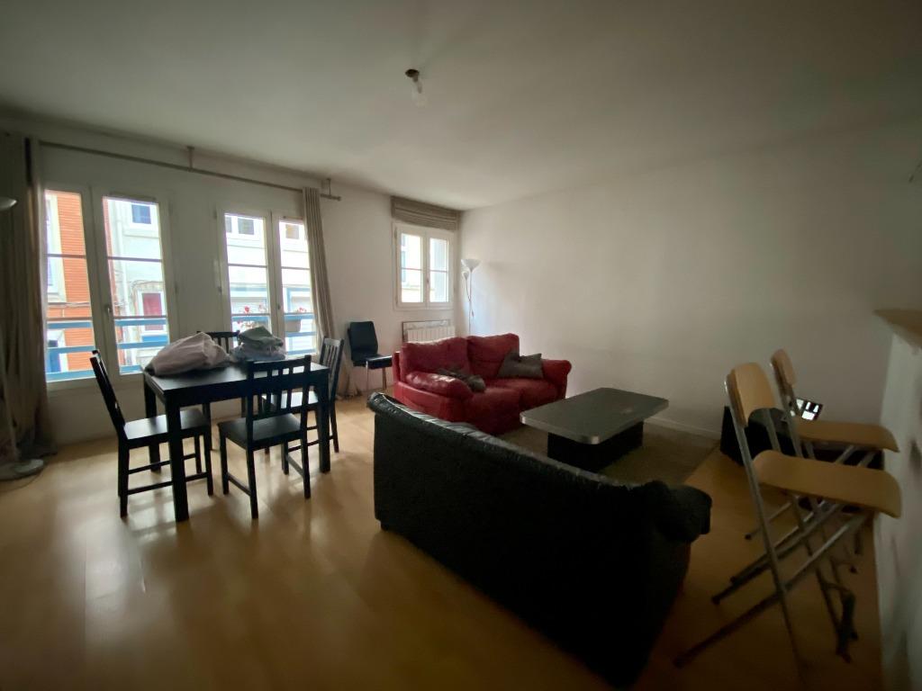 Location appartement - TYPE 3 MEUBLE AVEC PARKING - VIEUX LILLE
