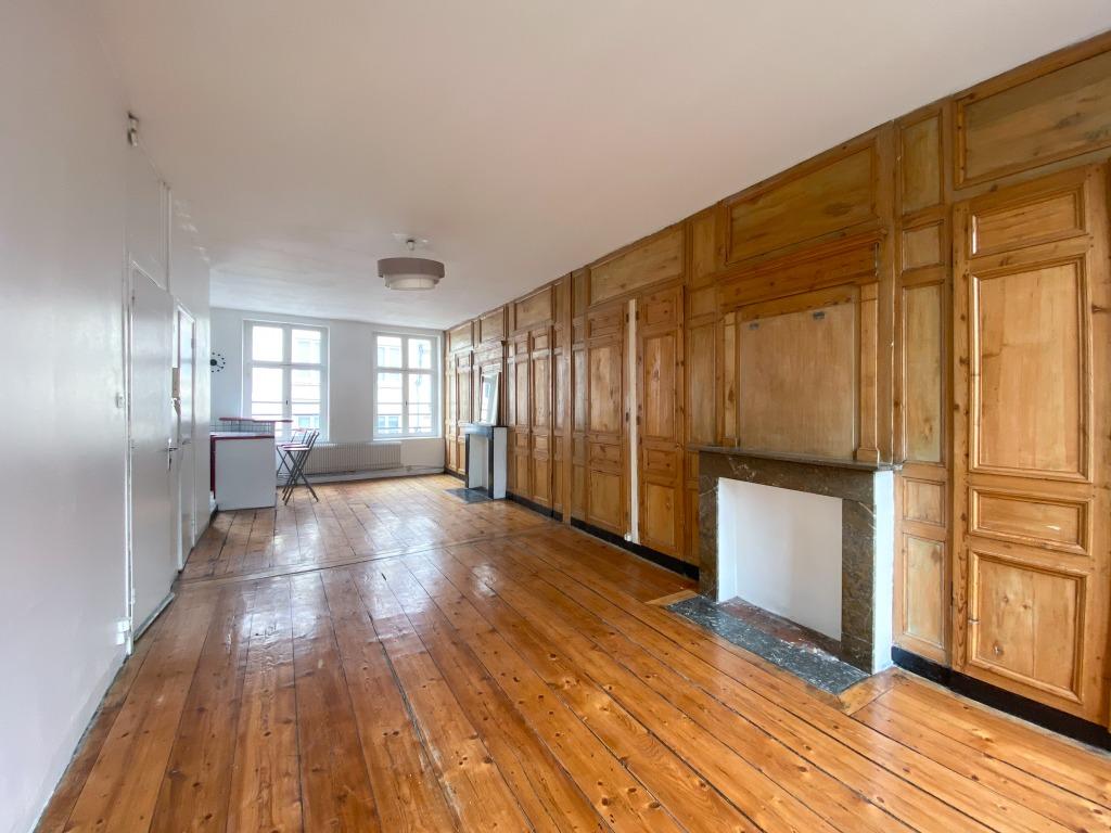Location appartement - Vieux Lille appartement T3bis avec charme de l'ancien
