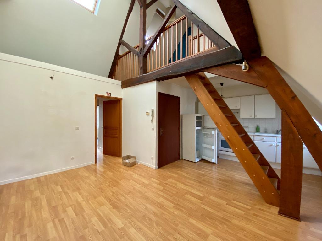 Location appartement - Appartement Vieux Lille 3 pièce(s) 68 m2