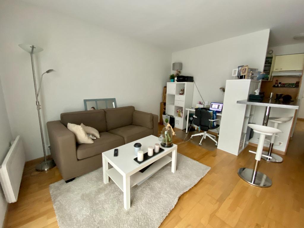 Location appartement - TYPE 2 NON MEUBLE PLACE DE LA TREILLE