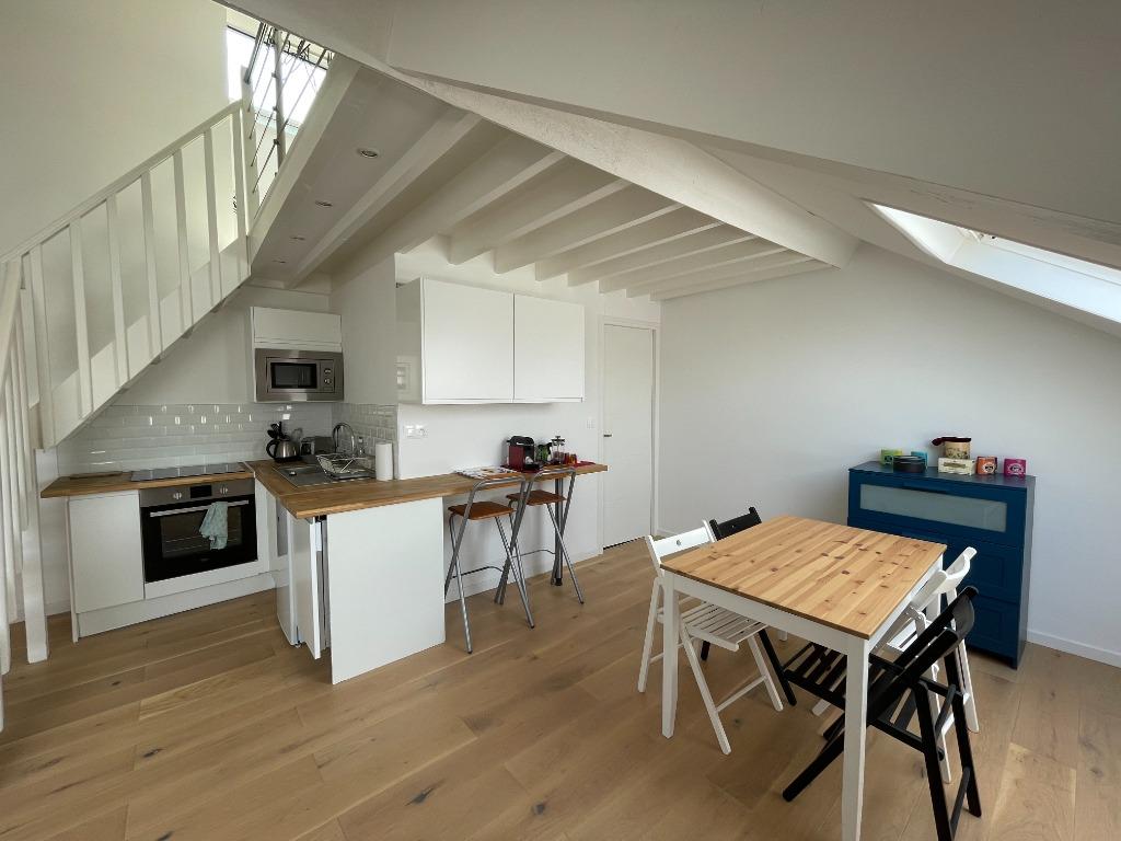 Location appartement 59000 Lille - Lille République - Duplex 2 pièces meublé 42,80m² -