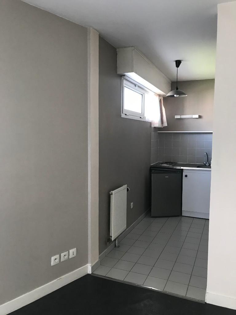 Location appartement 59000 Lille - Lille République - Studio non meublé de 21m²