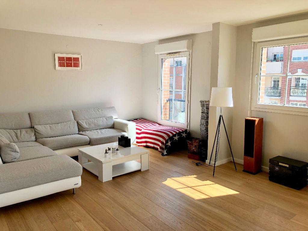 Vieux-Lille - 3 pièces de 98,74m² non meublé avec garage