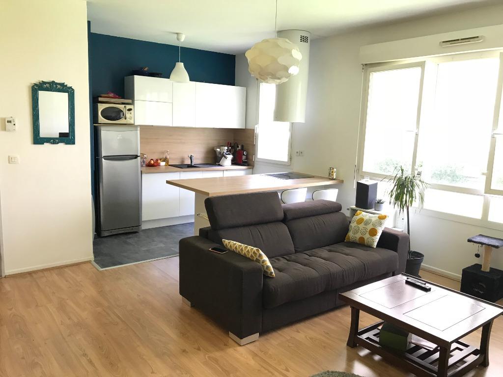 Location appartement 59000 Lille - Beau Type 3 meublé de 65m² rue Nicolas Leblanc avec Parking