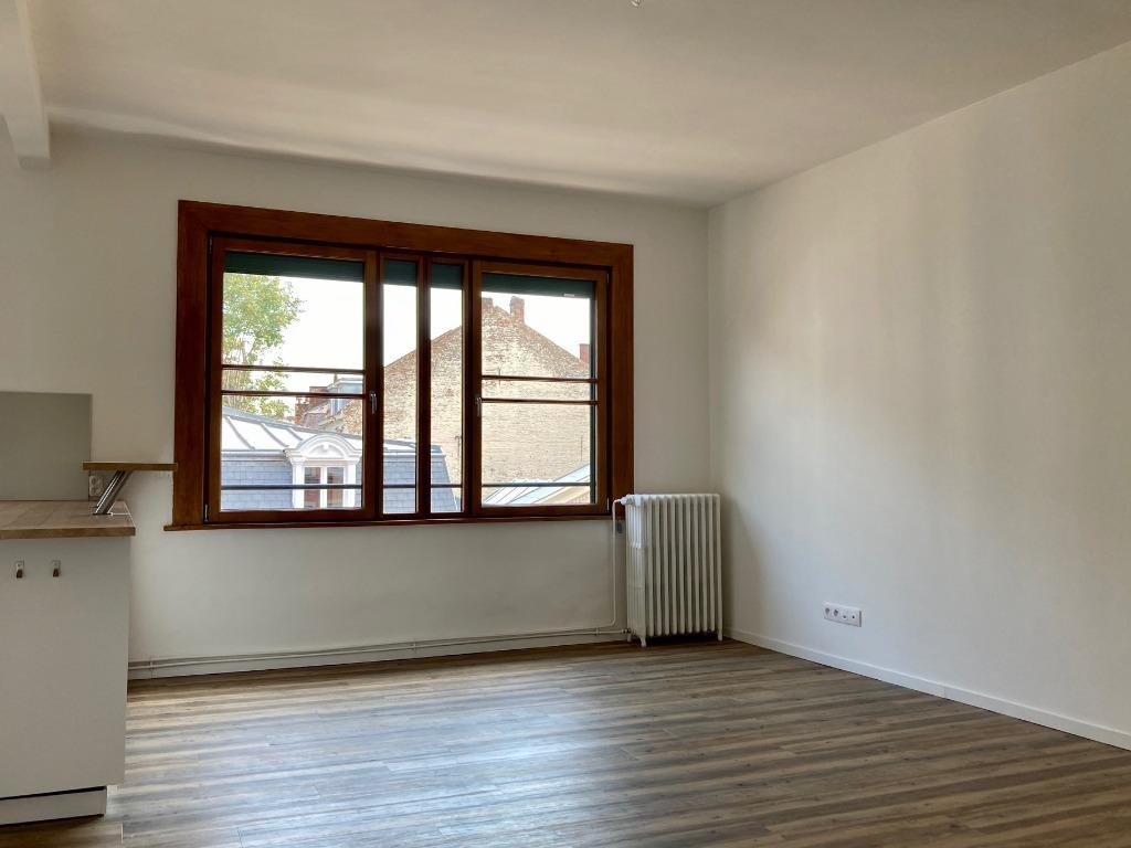 Location appartement - Vieux Lille - 58m² - T2 non meublé - extérieur