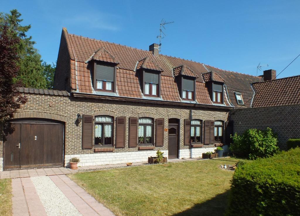 Vente maison - Maison ancienne semi individuelle 3 chambres 130 m²