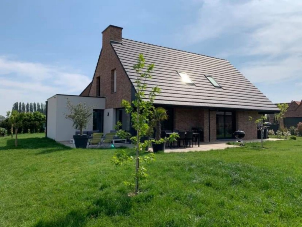 Vente maison 59320 Radinghem en weppes - Individuelle, 160m², 4 chambres et un bureau, vue sur champs