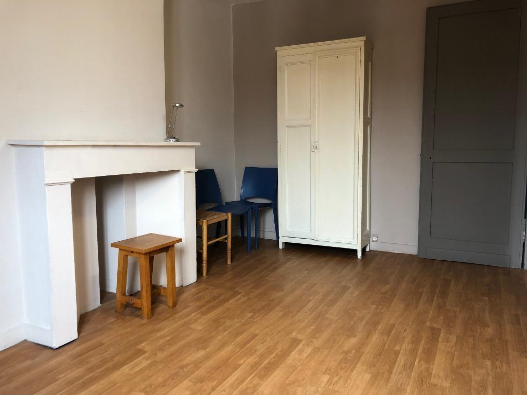 Location appartement 59000 Lille - T1 meublé  de 22,24m² - St Michel