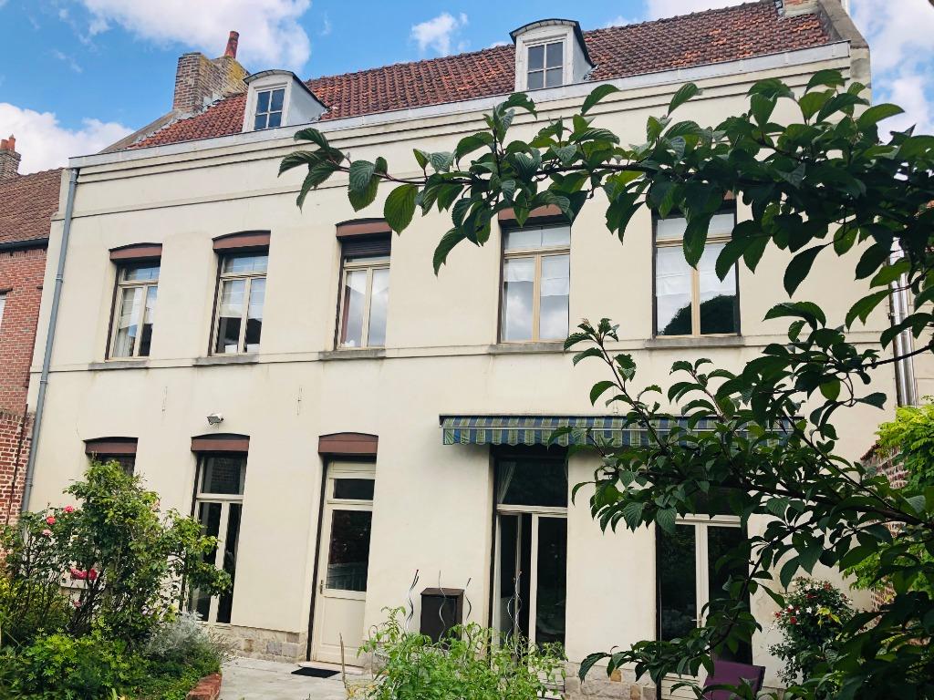 Maison de maître du 18ème Siècle - au Coeur de Douai