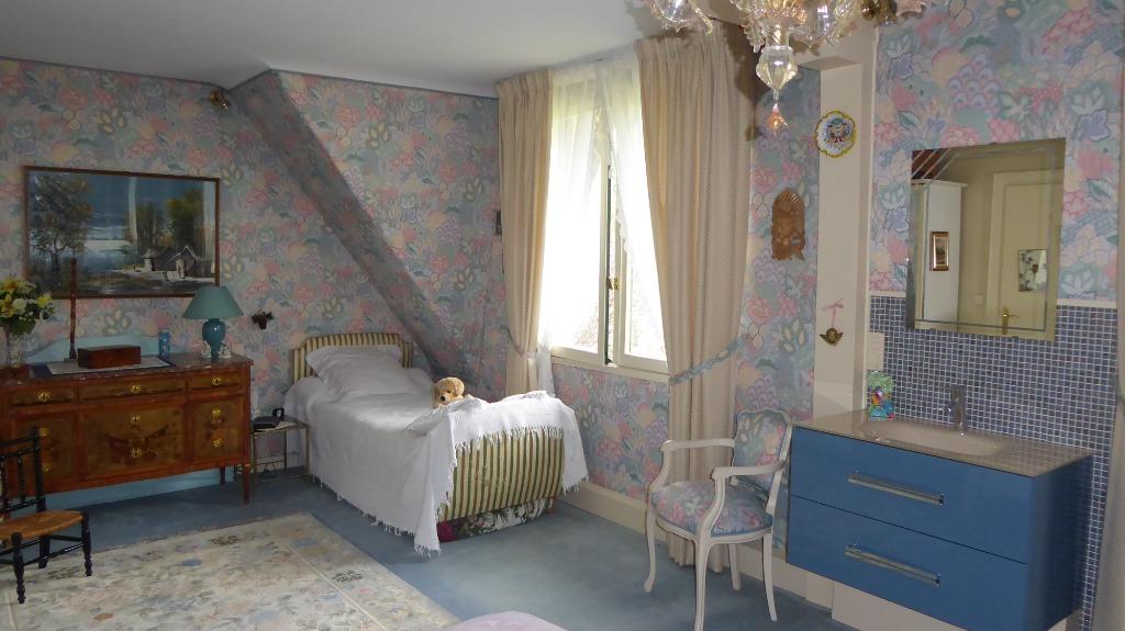 Maison individuelle 5/6 chambres bureau 280 m² hab
