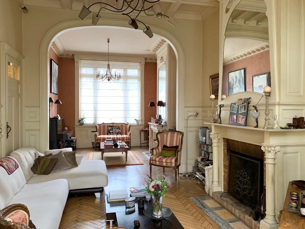 Vente maison - Large maison Bourgeoise