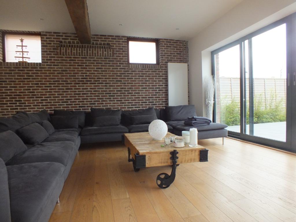 Vente maison - Ancien corps de ferme 5 chambres sur 1 520 m²