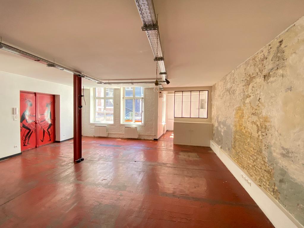 Vieux Lille, loft en duplex 2 chambres et parking
