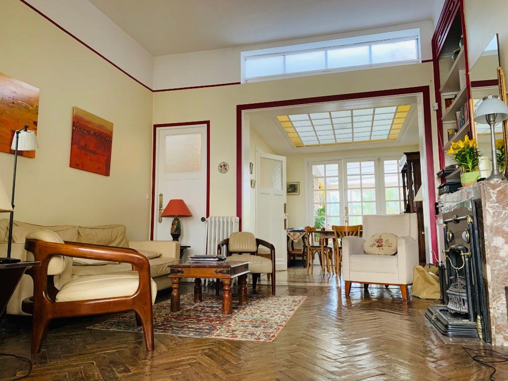 Vente maison - Splendide maison Art Déco garage