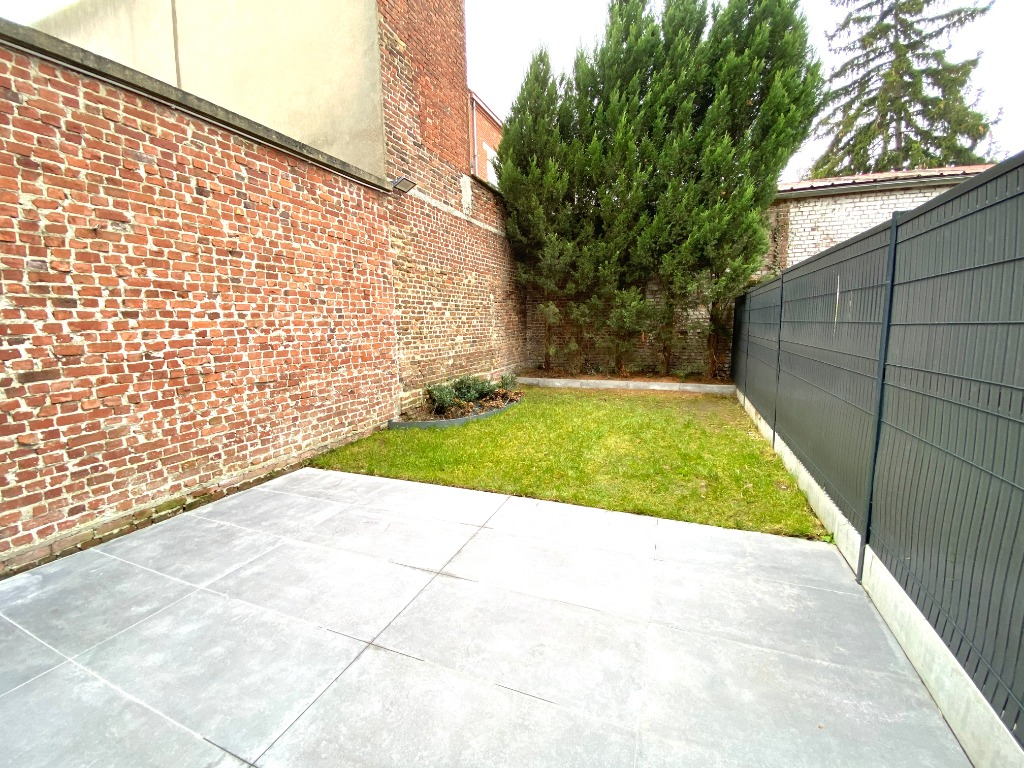 Brossolette proche TRAM T4 duplex jardin