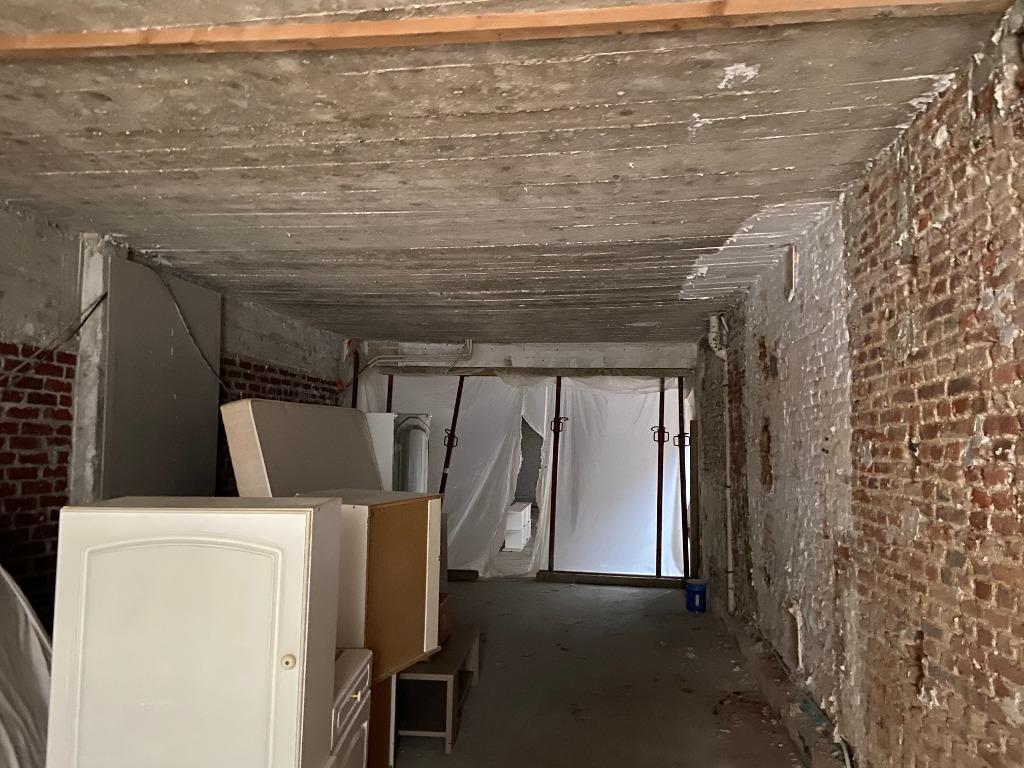 coeur du Vieux Lille, plateau brut avec extérieur et garage