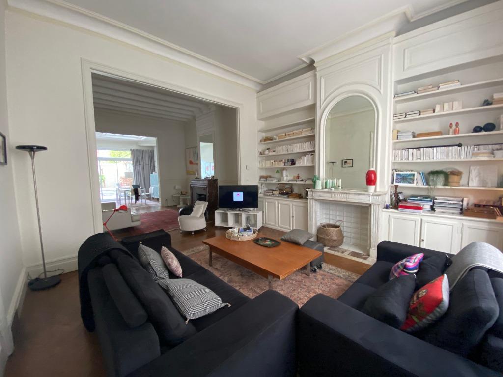 Vente maison - Lille Vauban, large maison bourgeoise prox commerces et métr