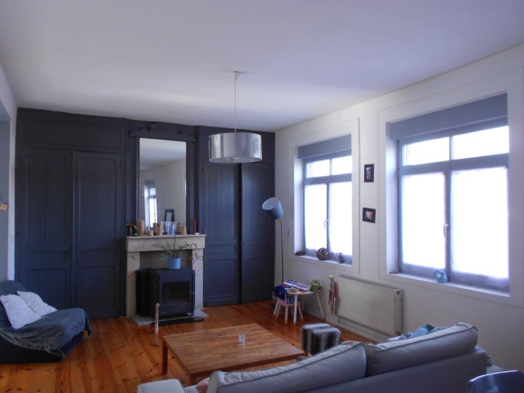 Vente maison 59134 Fournes en weppes - Corps de ferme rénové, 155m², 4 chambres et bureau.