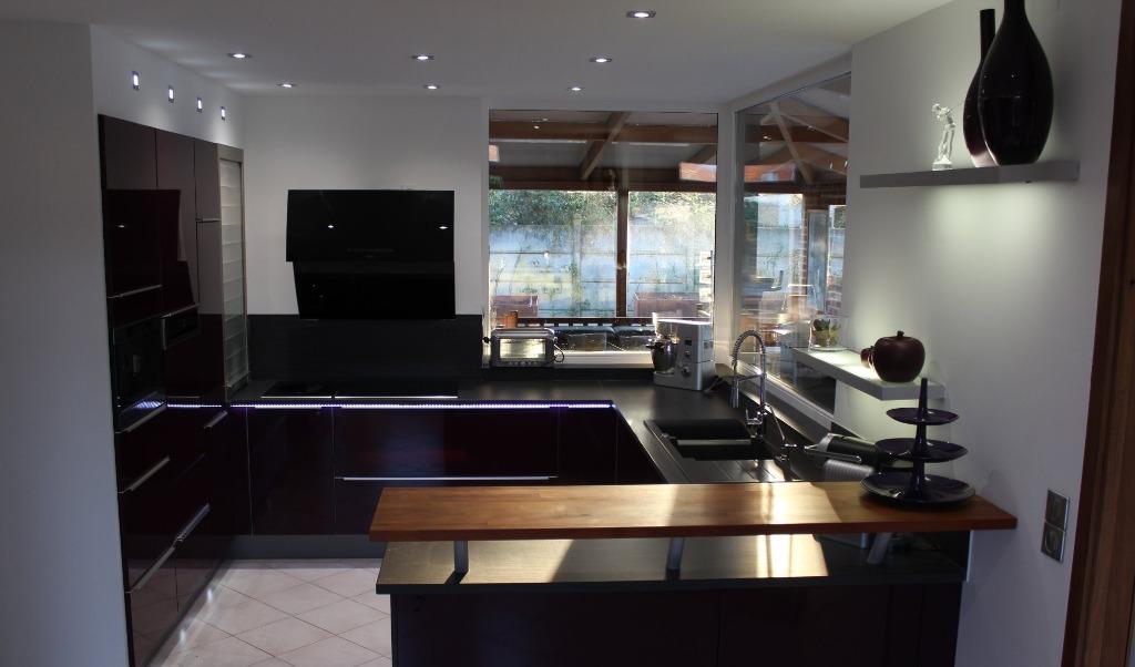 Maison de Maître, 300m² habitable, individuelle, piscine.
