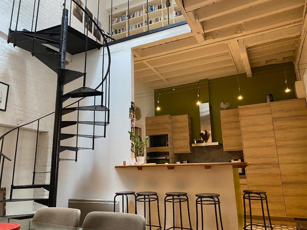 LILLE HYPER CENTRE - Maison/appartement en coeur d'ilôt