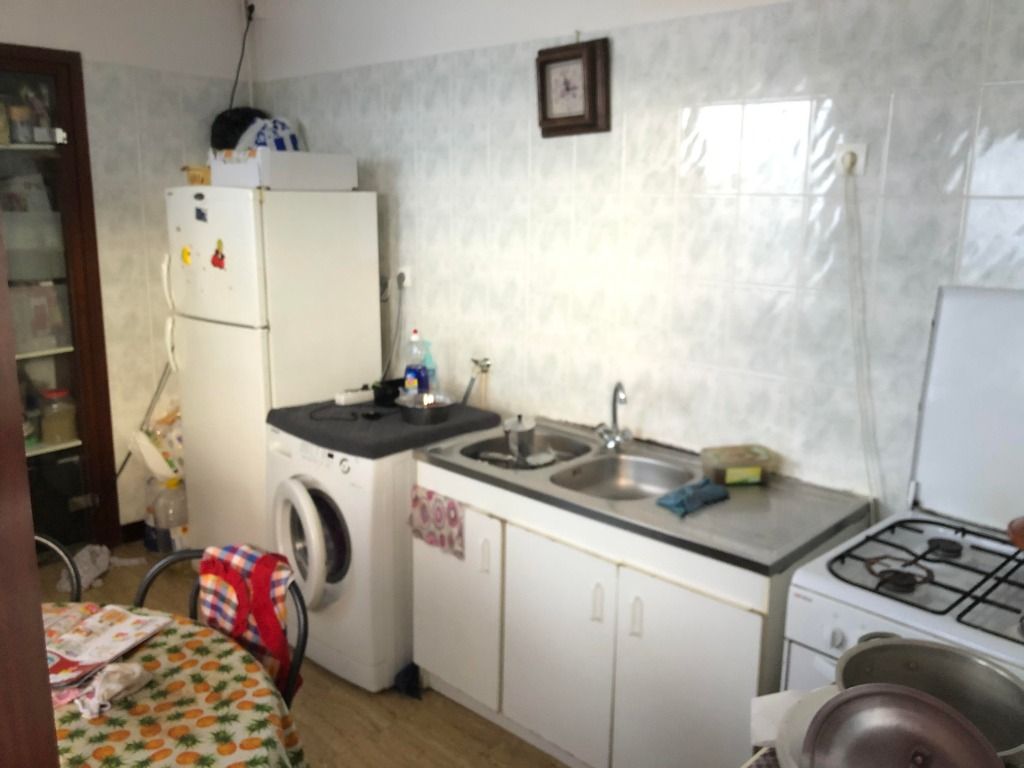 Ensemble immobilier local commercial + habitation
