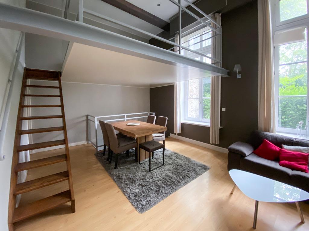 Location appartement - T2 bis meublé dans un hotel particulier du Vieux Lille