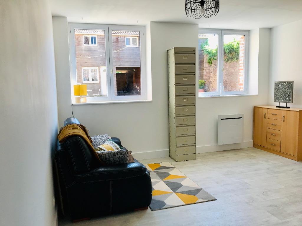Location appartement 59134 Fournes en weppes - Superbe appartement au coeur du village