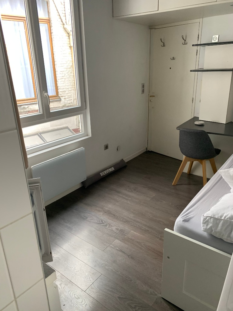 Lille Centre - Chambre meublée - 10,14m²