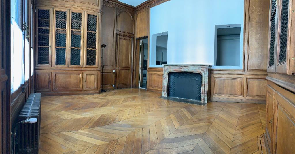 Location appartement 59000 Lille - Très beau T3 non meublé de 85.8m² Square Rameau