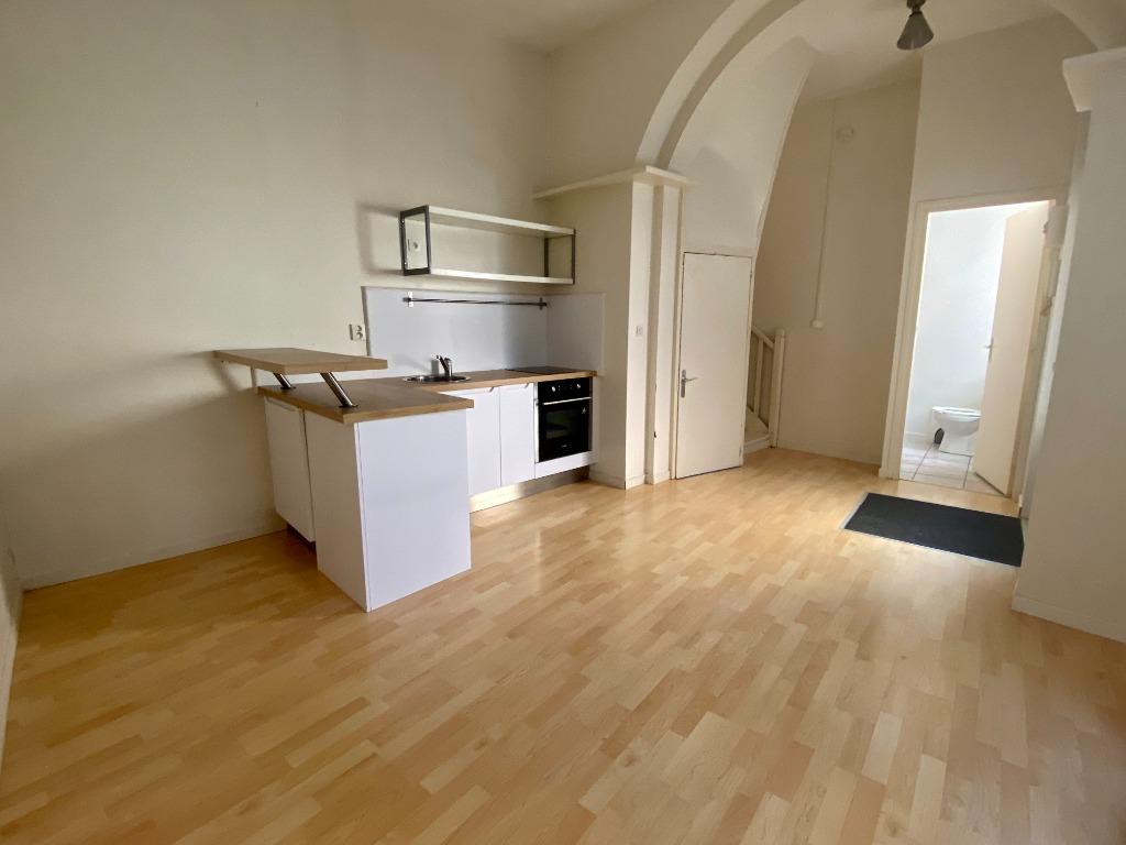 Location appartement - Appartement/maison type 2 en duplex VIEUX LILLE