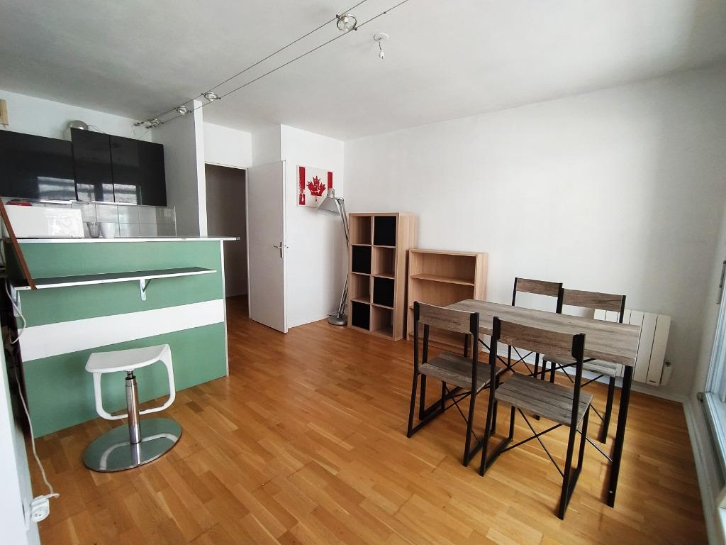 Location appartement - Vieux Lille t2 meublé avec parking et balcon