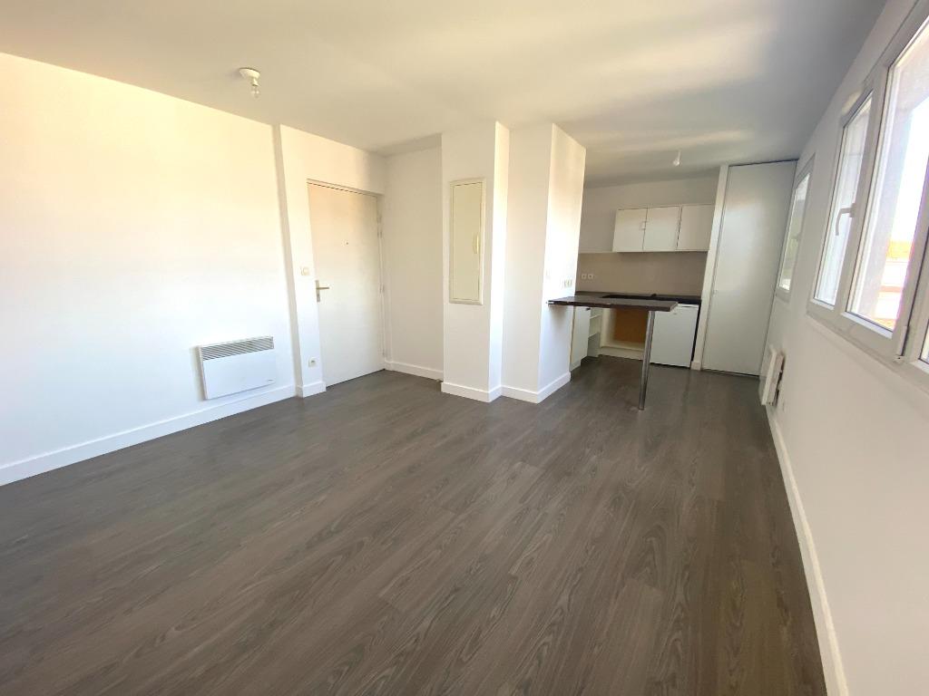 Location appartement 59000 Lille - Appartement type 2 meublé dans le secteur République