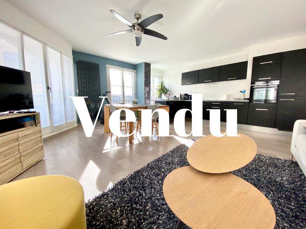 Vente appartement 59000 Lille - VENDU - RUE ROYALE / APPARTEMENT T3 / PARKING / BALCON