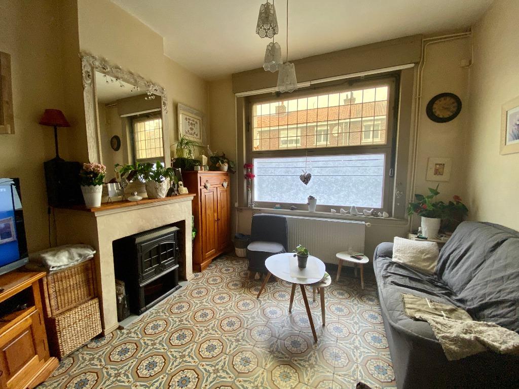 Vente maison 59000 Lille - Maison beau potentiel avec jardin constructible et garage