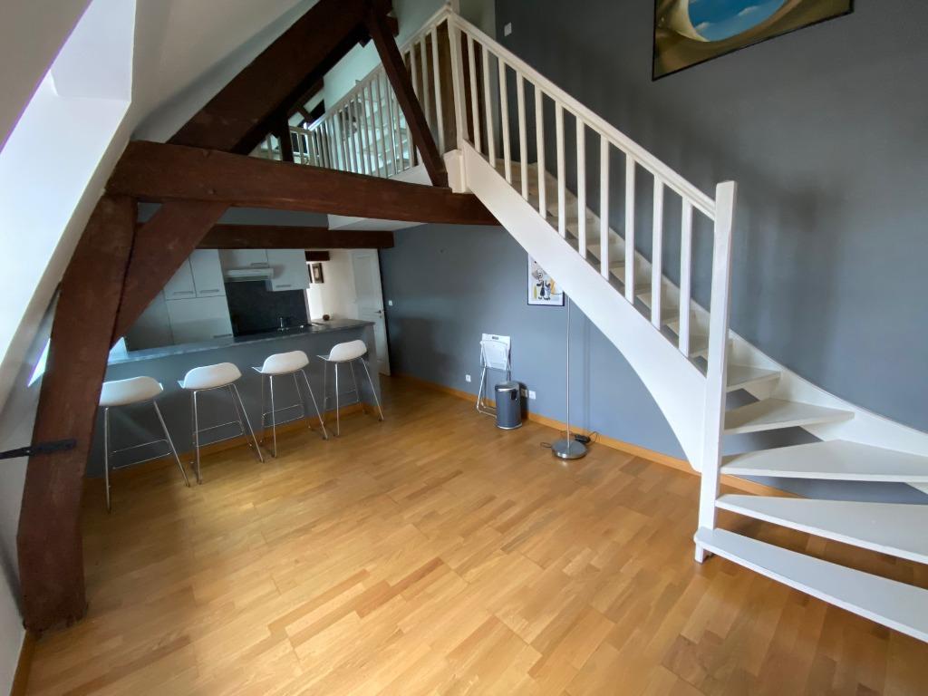 Location appartement - Vieux-Lille - Type 2 prêt de meubles de 50,37m²