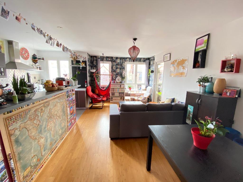 Vente appartement - Vieux Lille, appartement 2 chambres, balcon et parking.