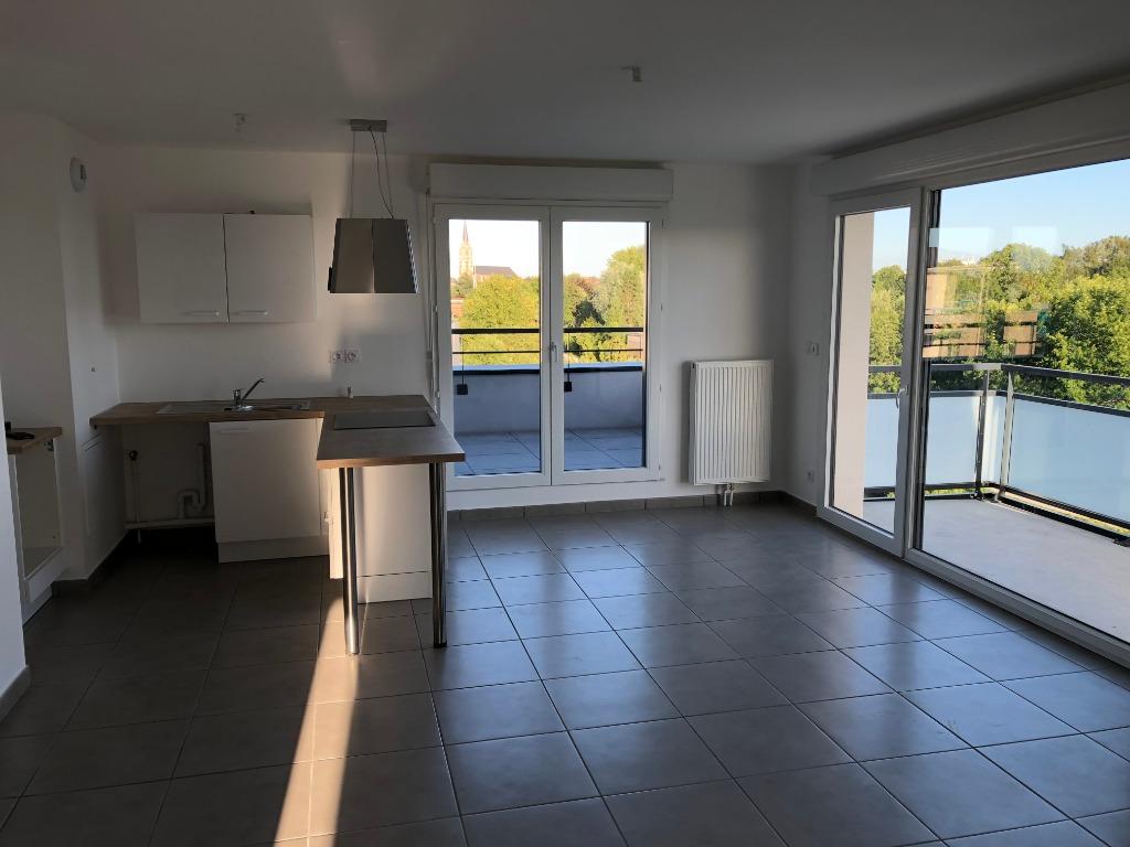 Dernier étage en résidence récente - WASQUEHAL centre
