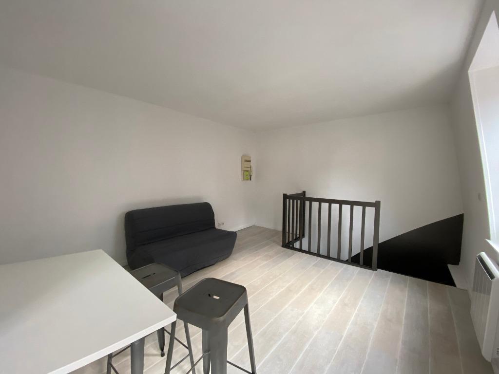 Jean Baptiste Labas - Studio prêt de meubles de 20,52m²