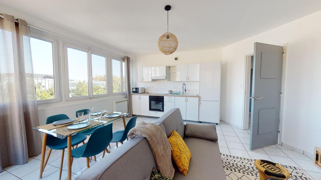 Location appartement 59000 Lille - T5 meublé - rue Abélard - 93.12M²