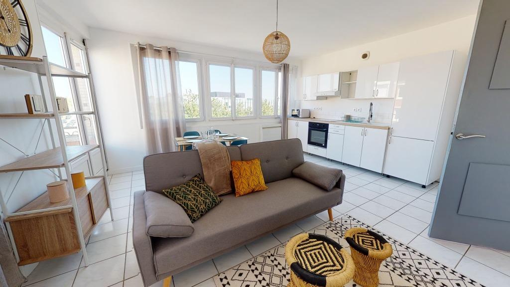 T5 meublé - rue Abélard - 93.12M²