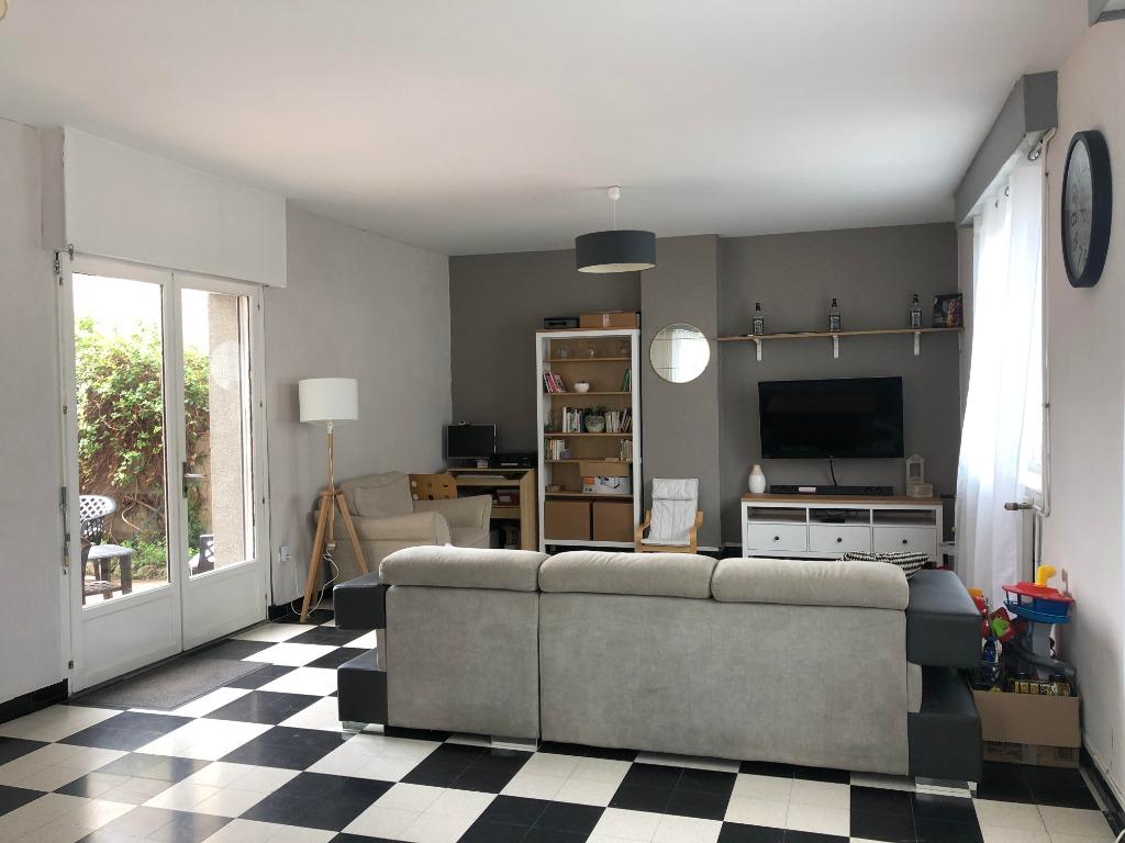 Vente maison 62138 Douvrin - SEMI INDIVIDUELLE - BEAUX VOLUMES
