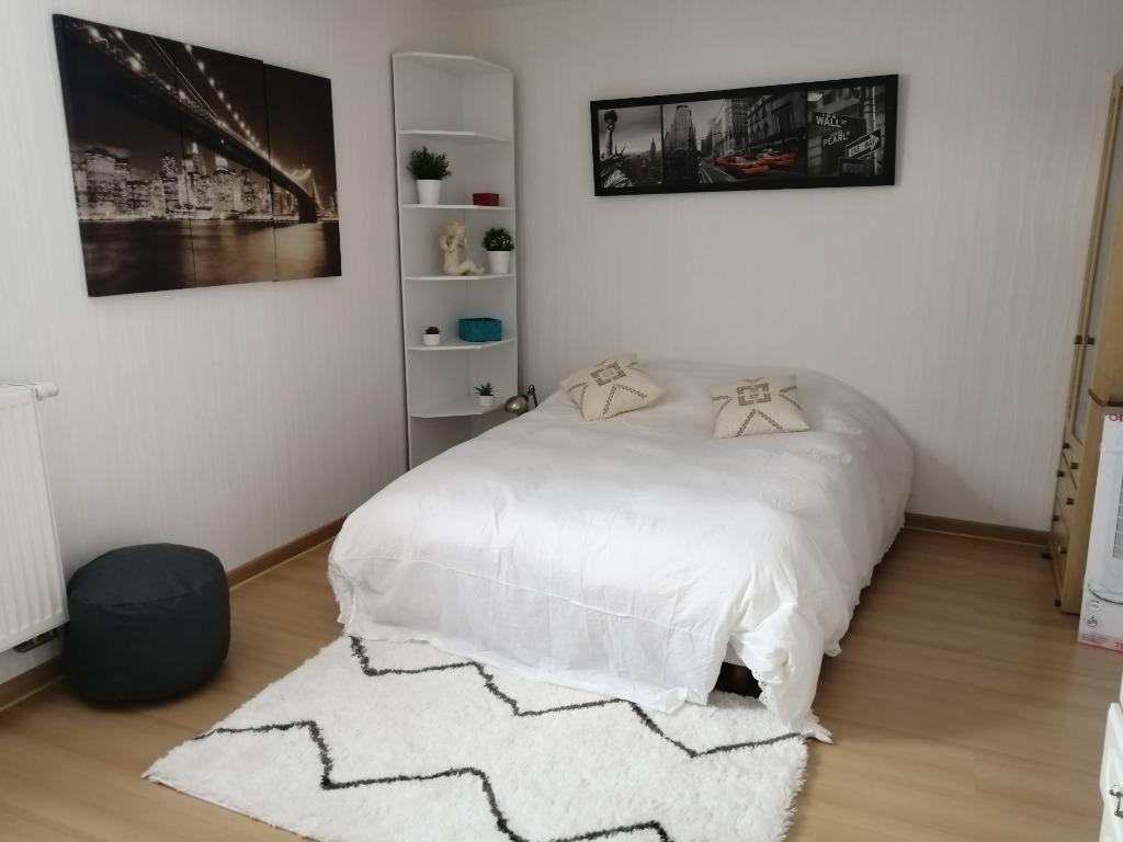 Maison semi individuelle 205m² habitable / secteur Englos