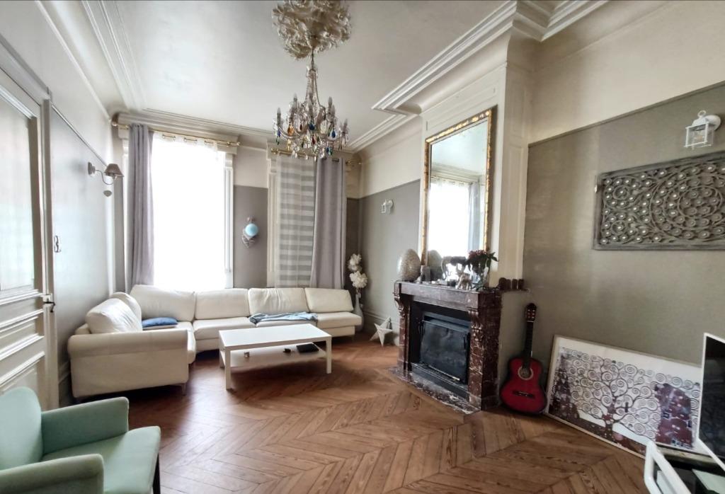 Maison de caractère 5 chambres avec terrasse ANNOEULLIN