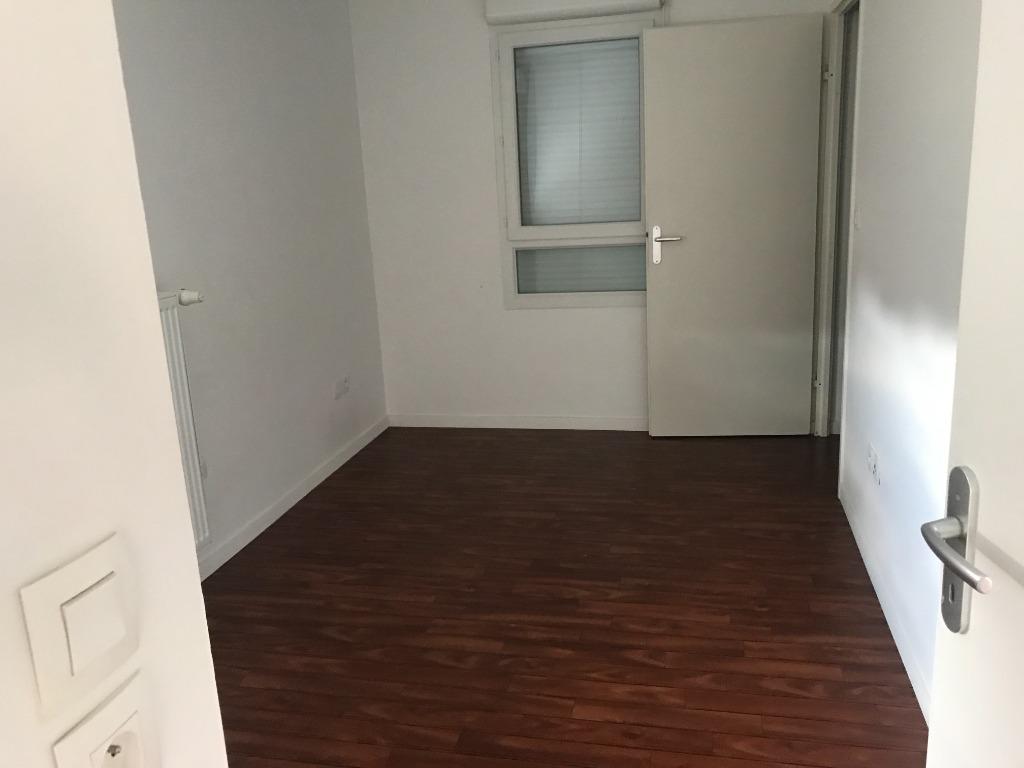 RONCHIN - Maison individuelle de 4 chambres, 1 garage