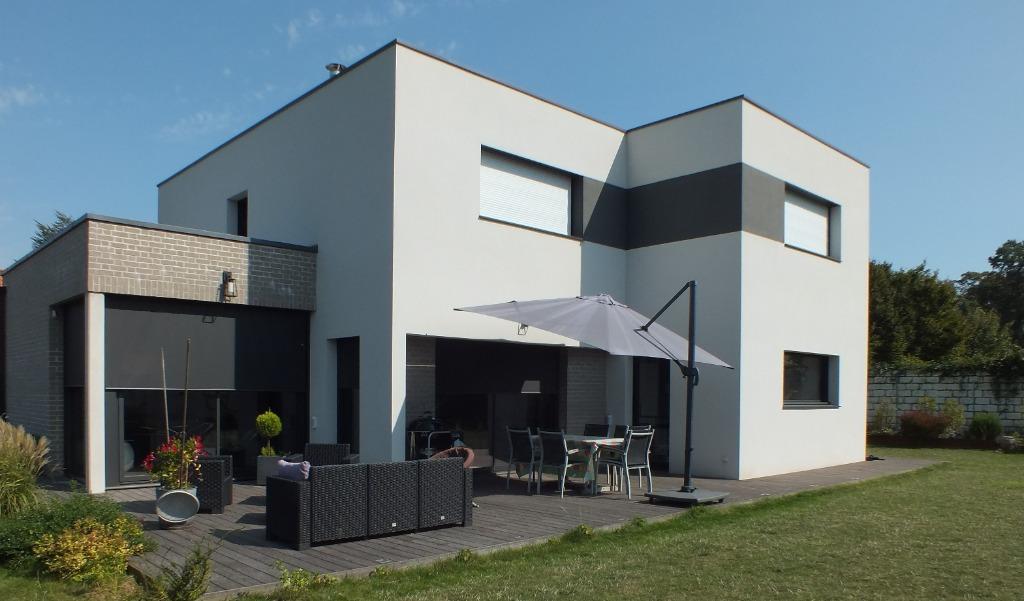 Vente maison - Maison cubique 4 chambres bureau 200 m² hab