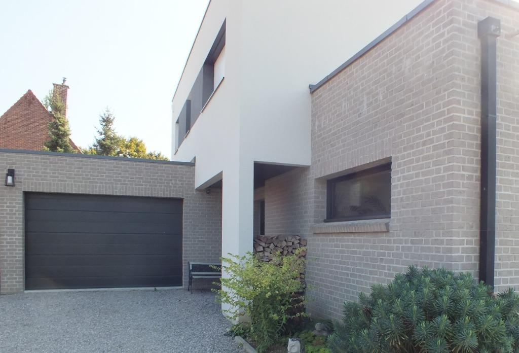 Maison cubique 4 chambres bureau 200 m² hab
