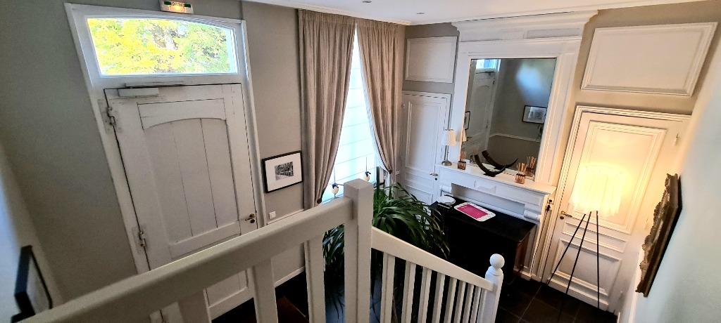 Lot de 3 studios meublés dans une demeure prestigieuse