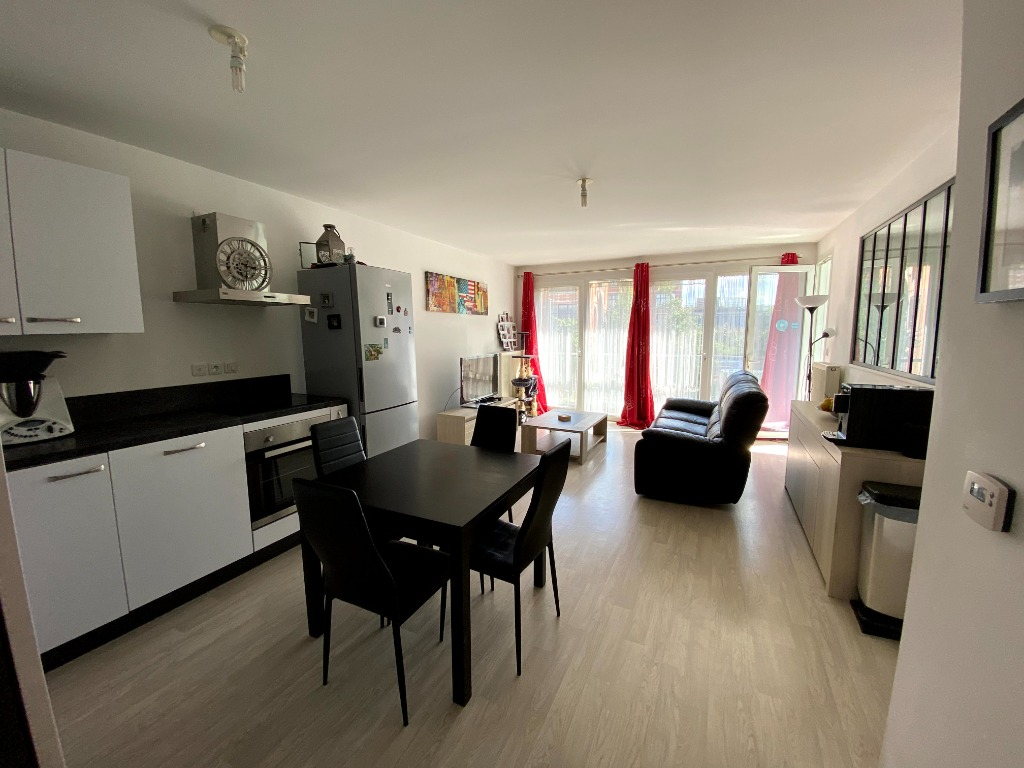 Vente appartement 59000 Lille - Lumineux T4 au coeur d'Euratechnologies, balcons et Parking