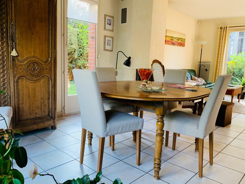 Vente maison - Jolie maison récente idéalement située, garage, parking.