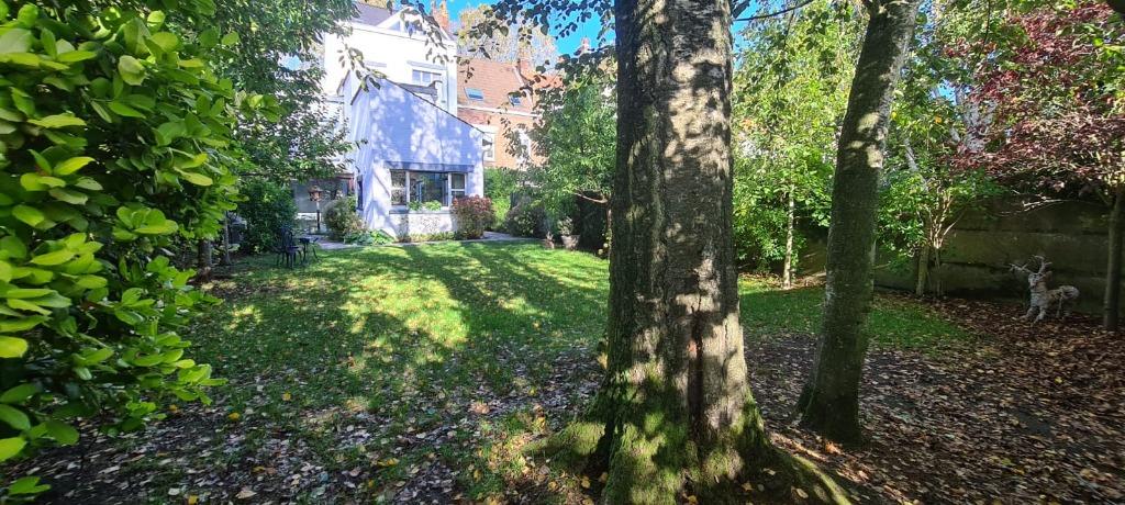 Vente maison - Secteur prisé, magnifique maison ancienne, jardin, garage